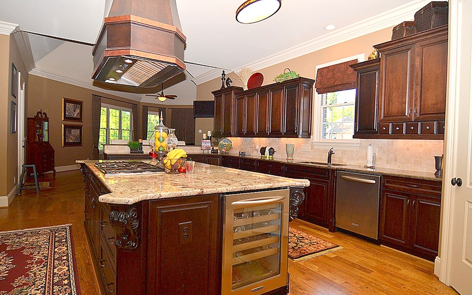 1317 Dunleigh Drive Kitchen