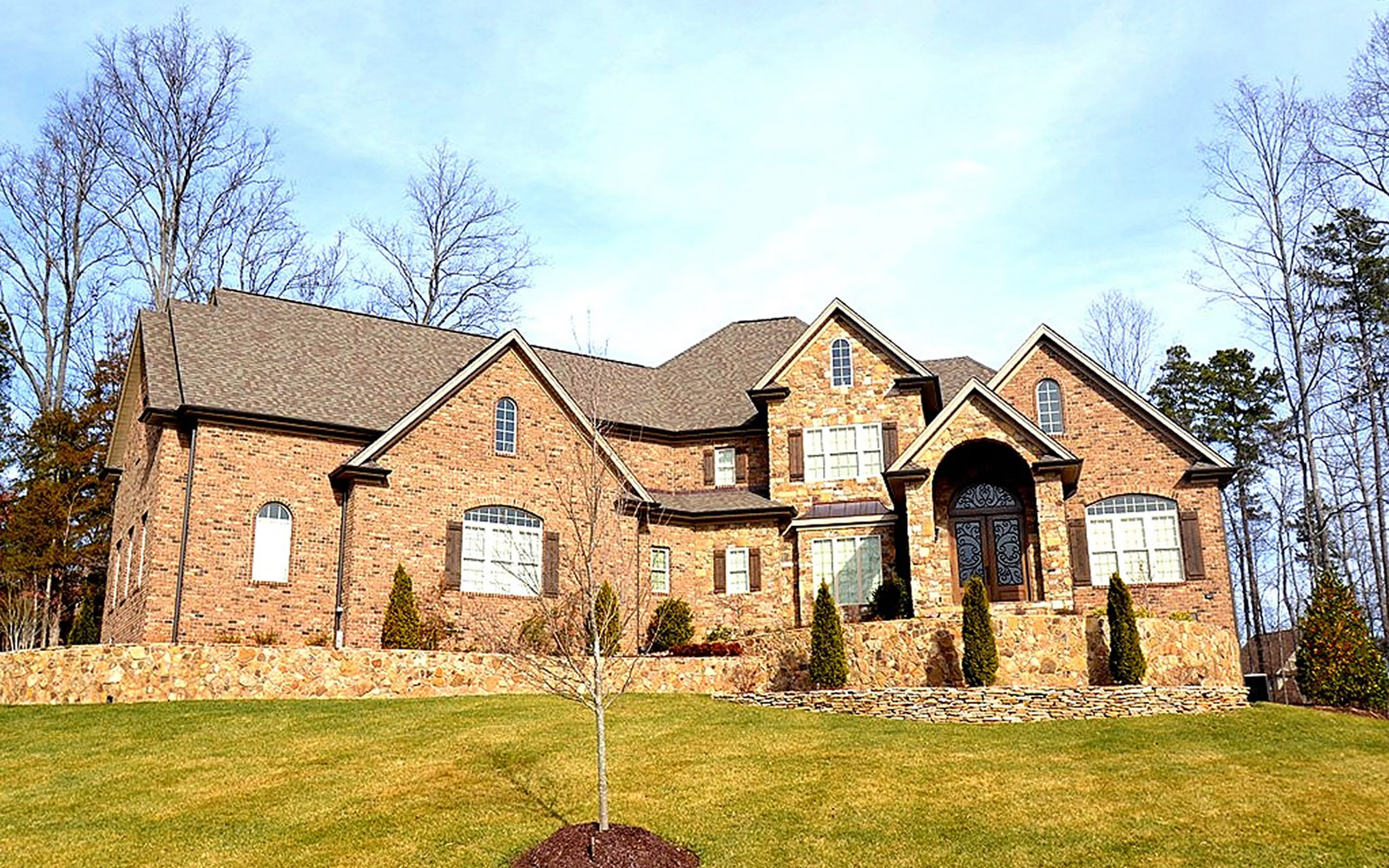 4443 Nire Valley Drive Exterior