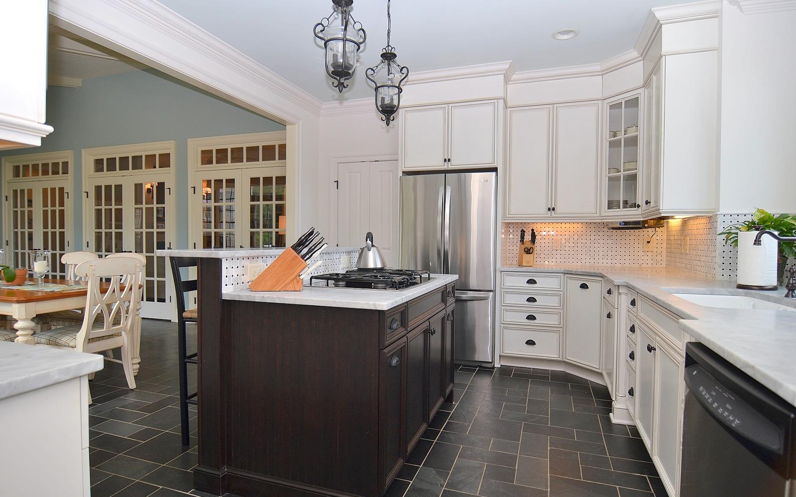 1721 carriage run kitchen wilson homes for Bath remodel wilson nc