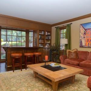 2407 Oakwood Drive Living Room