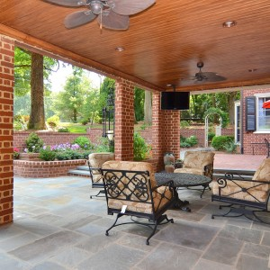2407 Oakwood Drive Outdoor